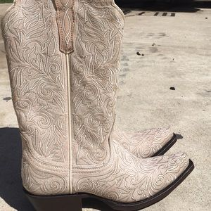 Ariat suede white and red detailed cowboy boots
